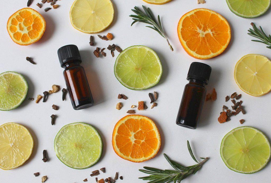 Oli essenziali per un ambiente pulito, rilassante e positivo